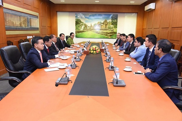 Second Deputy Governor of DAB Meets with Deputy Governor of the Central Bank of Cambodia